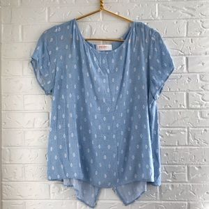 Light blue breezy flowy summer patterned tee